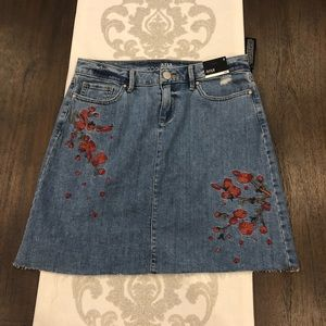 NWT a.n.a embroidered floral jean skirt size 4